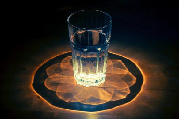 Glass manadal pexel 2